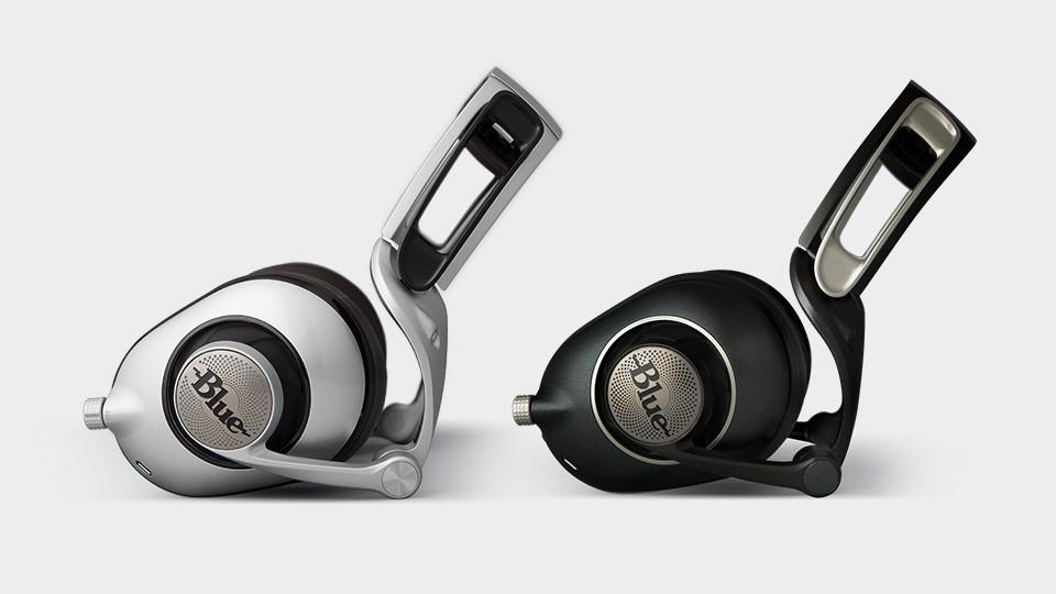 ts-blue_headphones-sadie_ella